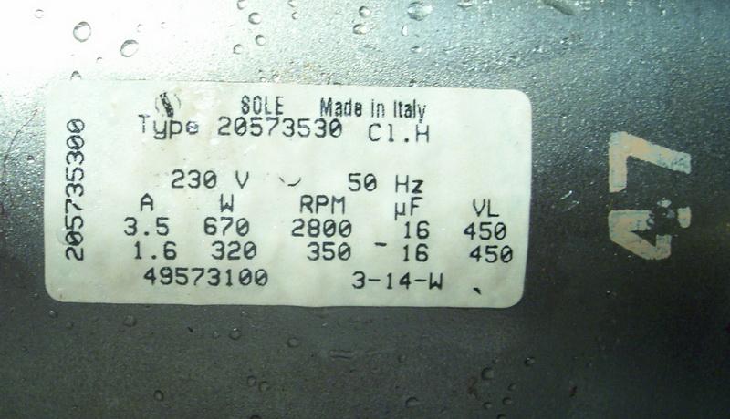 Табличка на сгоревшем двигателе.